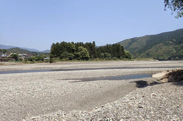 熊野川と大斎原