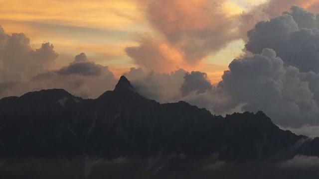 槍ヶ岳の夕陽