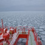 紋別のガリンコ号でオホーツクの流氷ガリガリ!