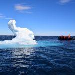 北極クルーズ 氷上ワインパーティーと甲板バーベキュー