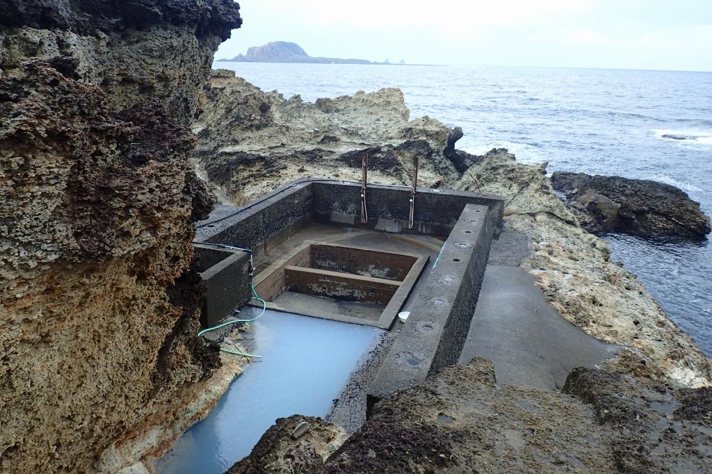 小宝島の温泉