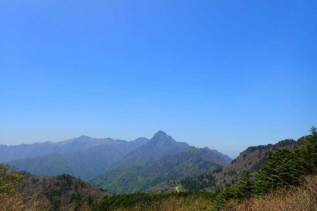 岩黒山から石鎚山