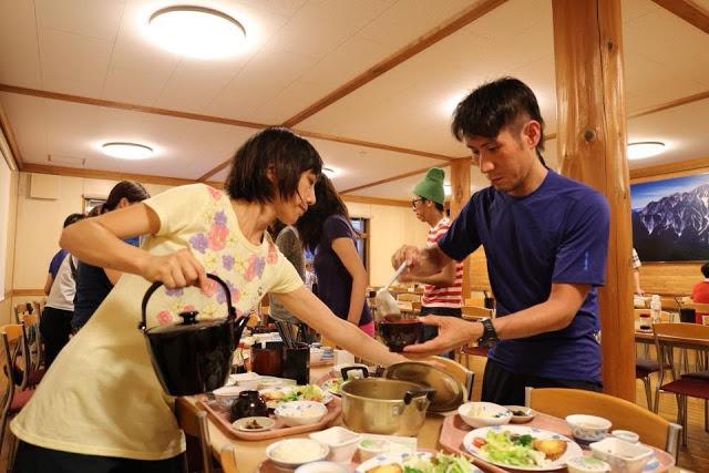 横尾山荘 食堂