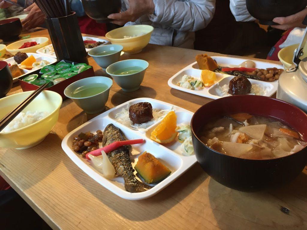 聖平小屋の夕食