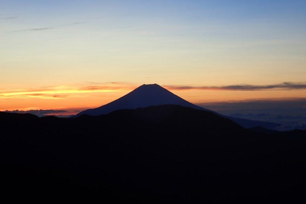 富士山と夜明け