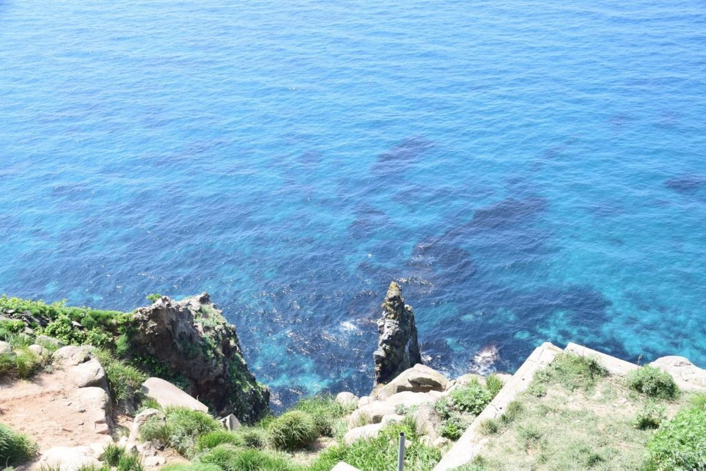天売島 赤岩