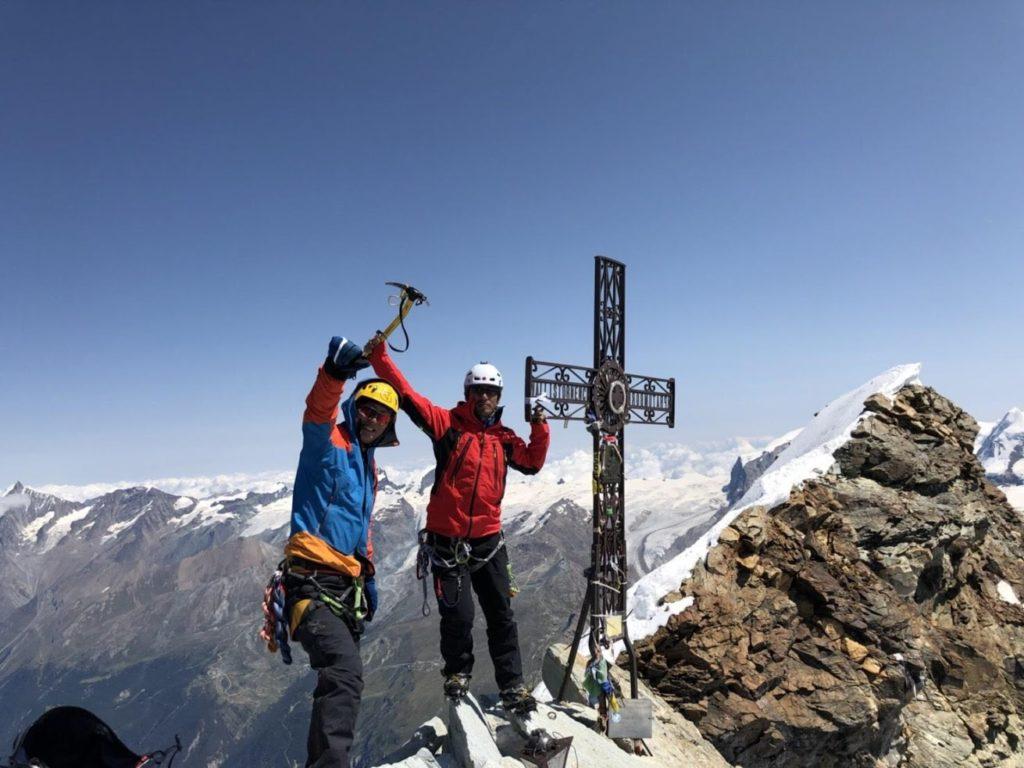 マッターホルン山頂の十字架