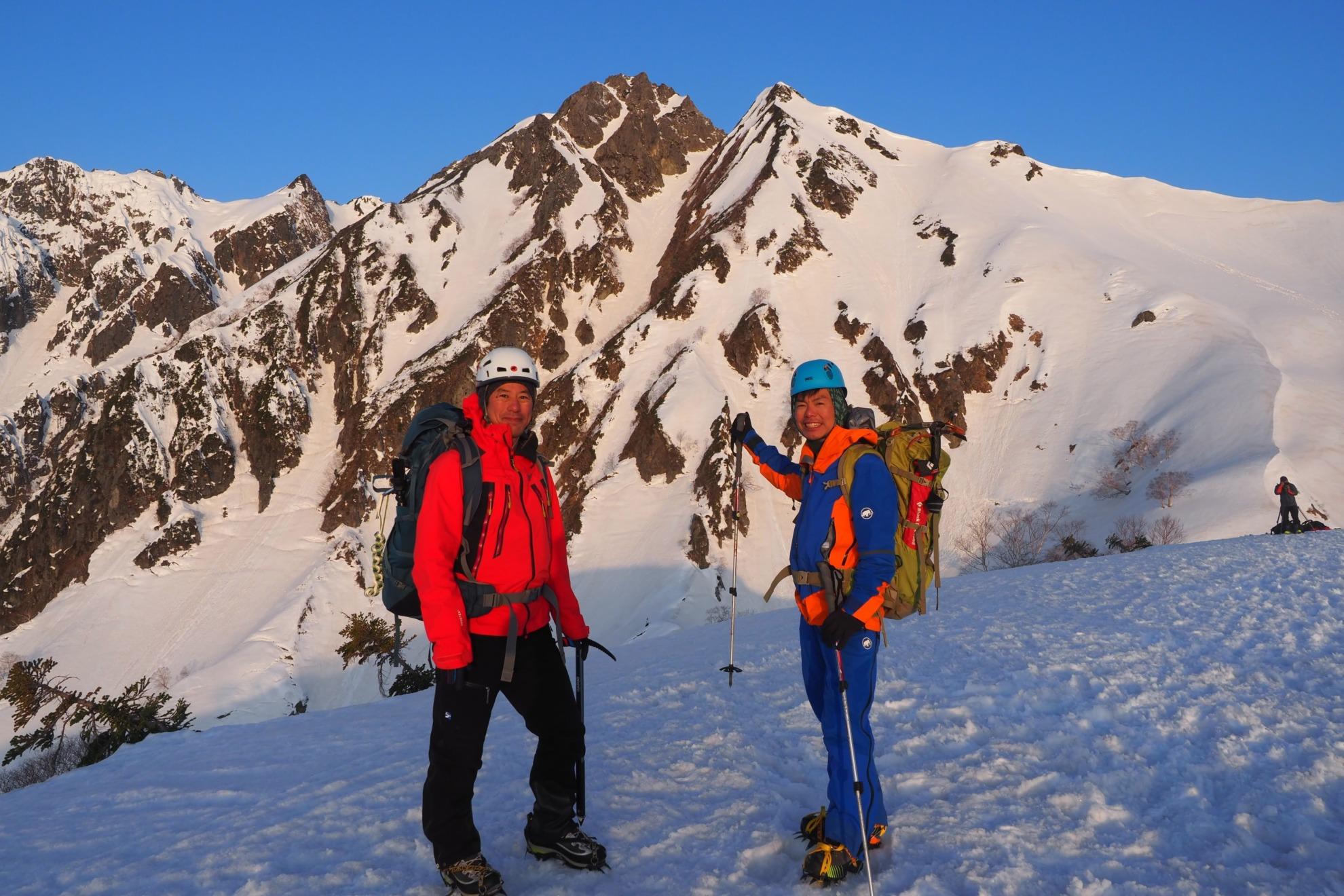 雪の五竜岳アタックスタイル