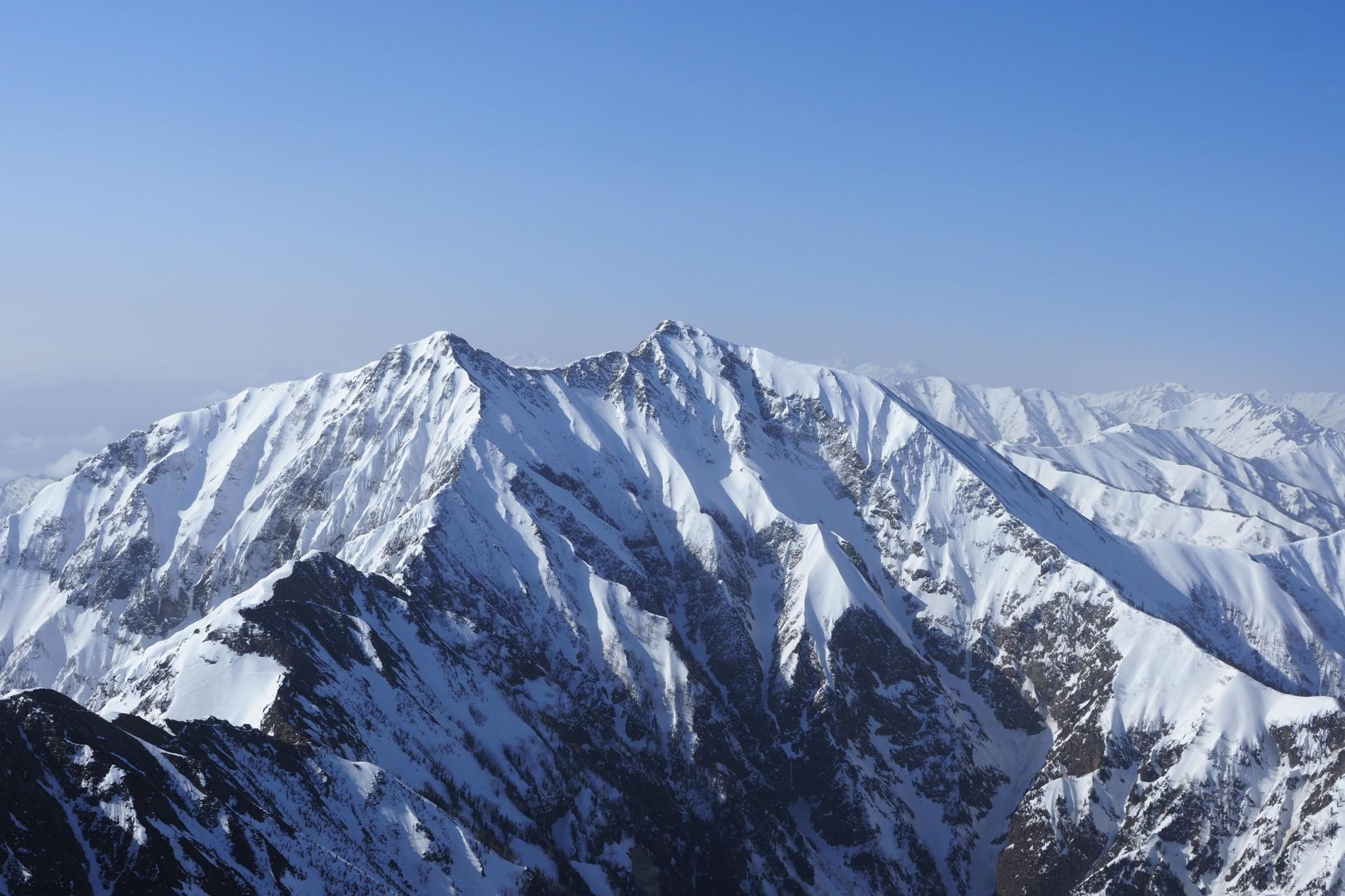 雪の五竜岳からの鹿島槍ヶ岳