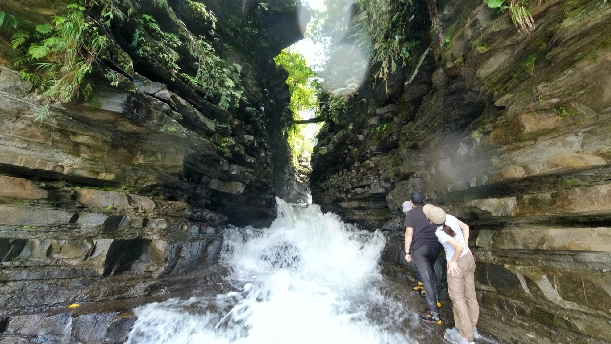 西表島マヤグスクの滝 流れ込み