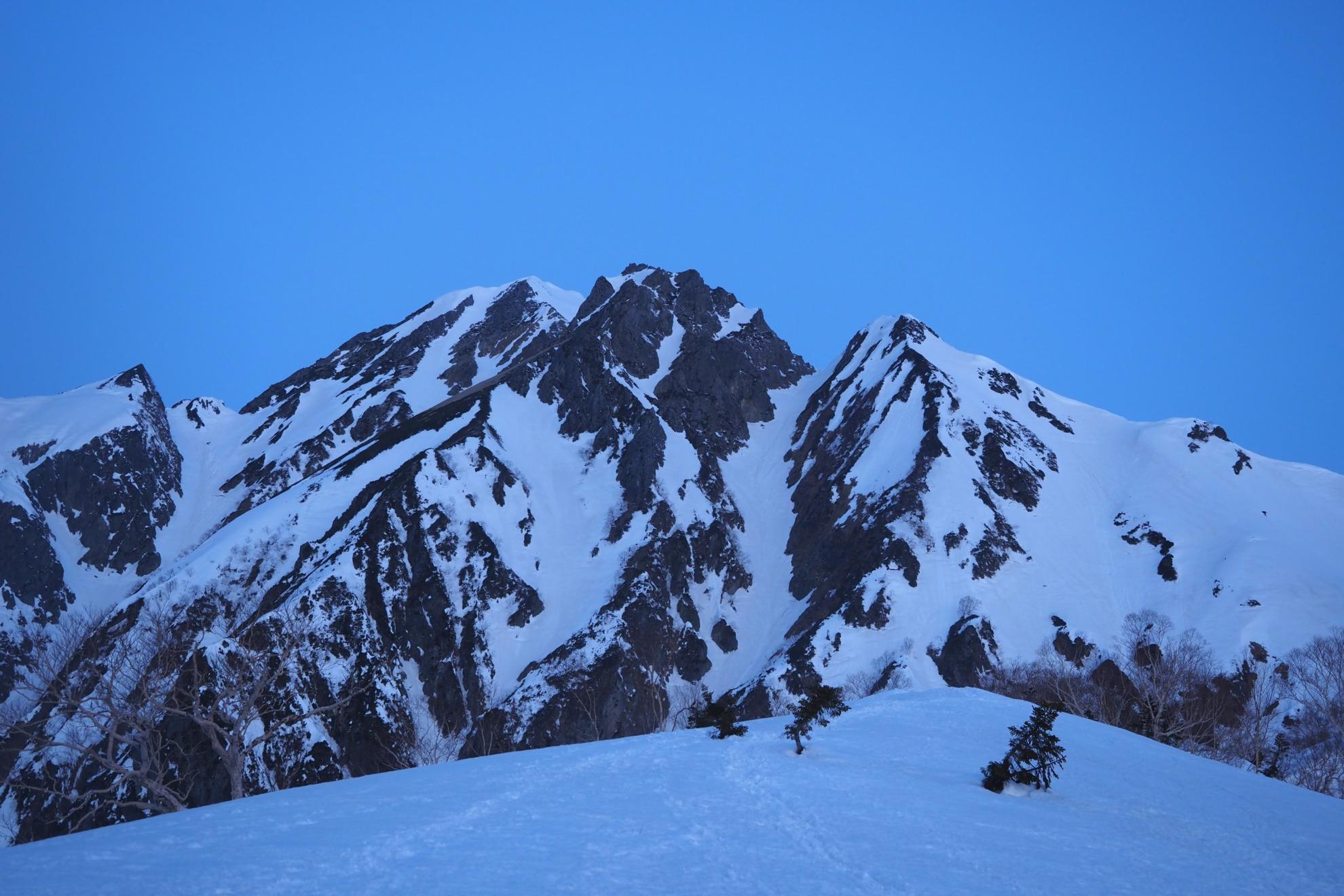 雪山の五竜岳