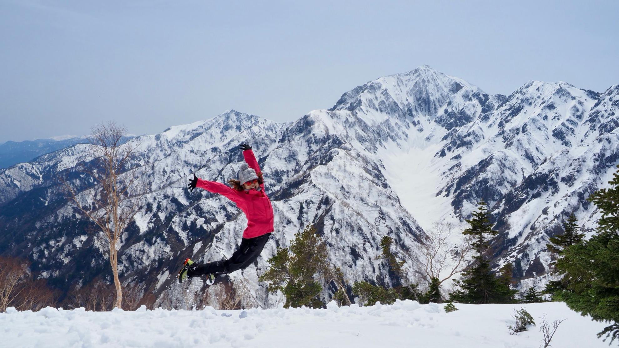 雪の鹿島槍とカクネ里雪渓