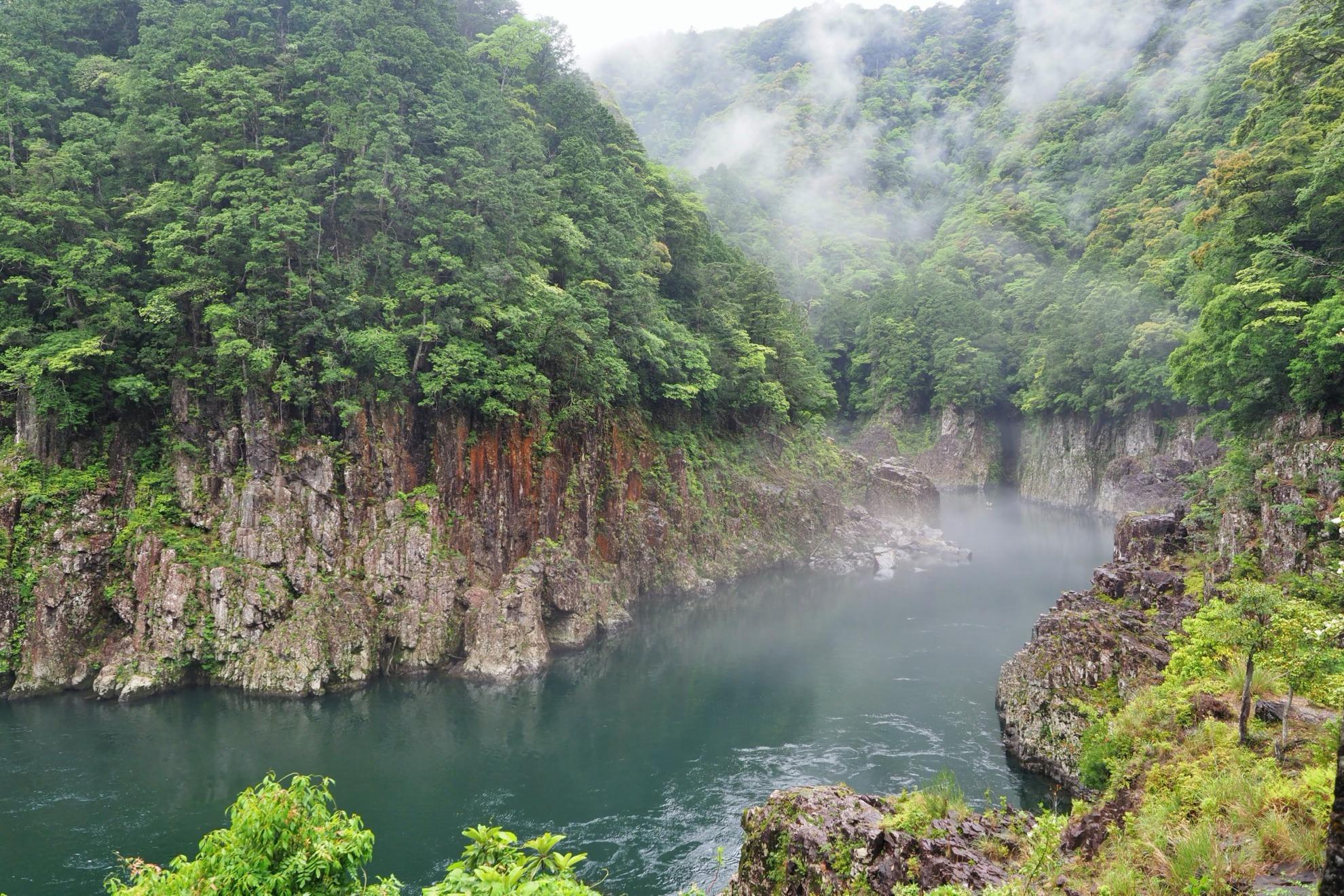 霧のかかる瀞峡